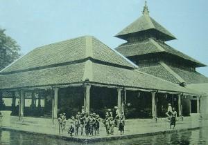 Interior Masjid Agung Yogyakarta